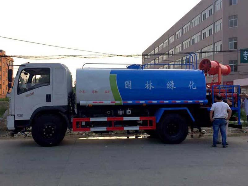 东风御虎11吨雾炮车
