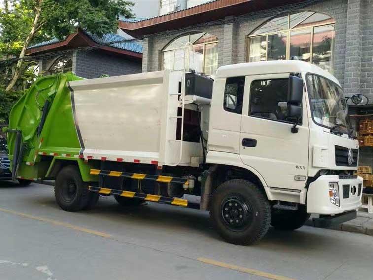 东风专底(10方)压缩式垃圾车