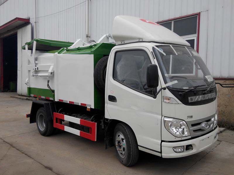福田小卡(3方)侧装压缩式垃圾车